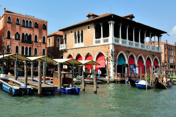 Full day cooking class with rialto market tour in Venice