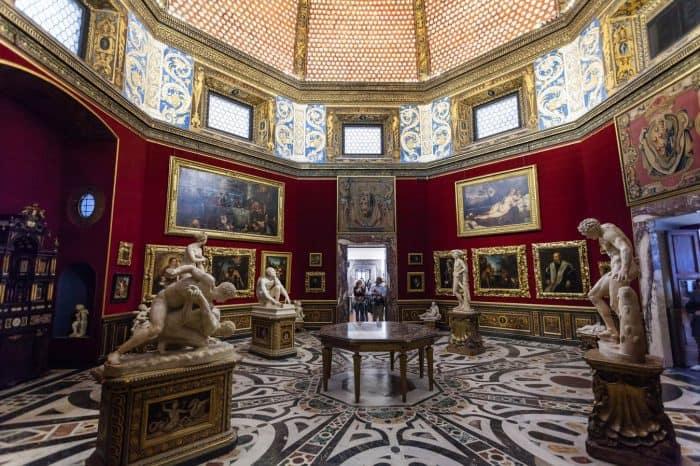 Early entry skip the line Uffizi tour and Palazzo Vecchio